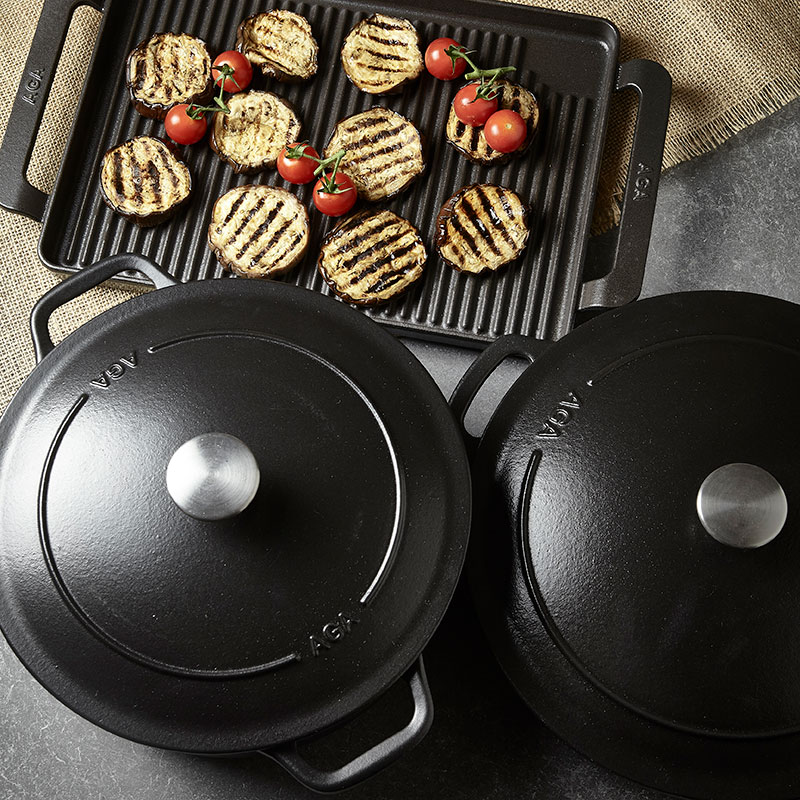 AGA cast iron cookware in Black