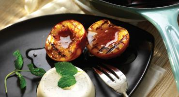 Griddled Peaches With Vanilla Creams