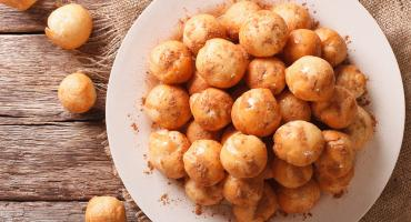 Zvingoi (Honey Puffs)