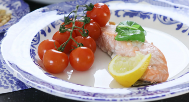 Salmon and vine tomatoes grilled
