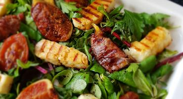 Griddled Figs & Halloumi Salad