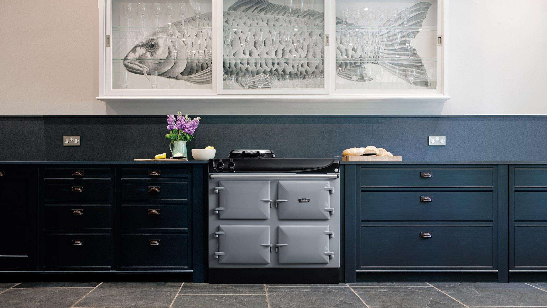 AGA eR3 Series 100-4 in Dove with Black Cabinets